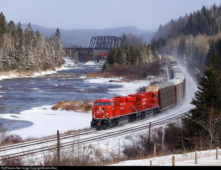 Canadian Pacific Railway GE ES44AC at Thunder Bay, Ontario, Canada by John Rice