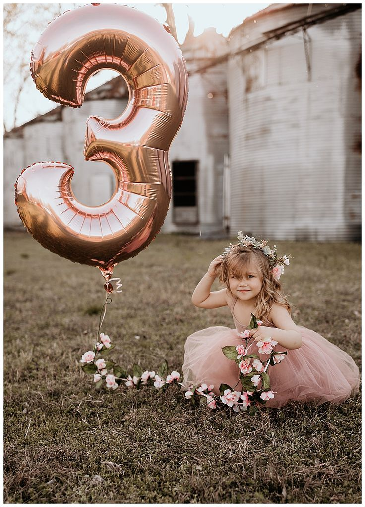 An Adorable Birthday Photoshoot with Mylar Balloons, Flower Crowns and Bubbles