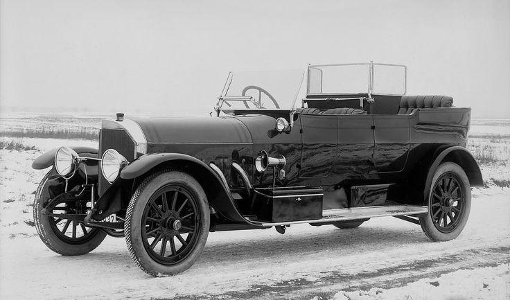 #tbt 1919 Benz Type 27/70 hp Open Tourer.  #antique #antiquecar #history #benz #classicbenz #mercedesbenz #automotive #throwback #bw #carpic