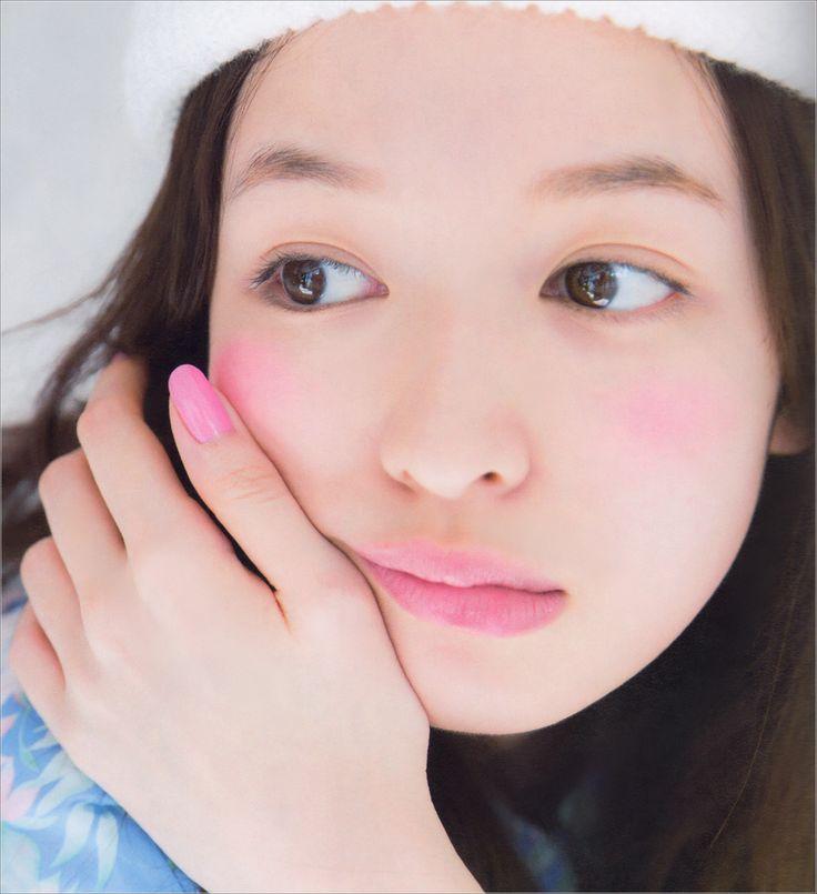 pink. torefurumigoyo:  森絵梨佳