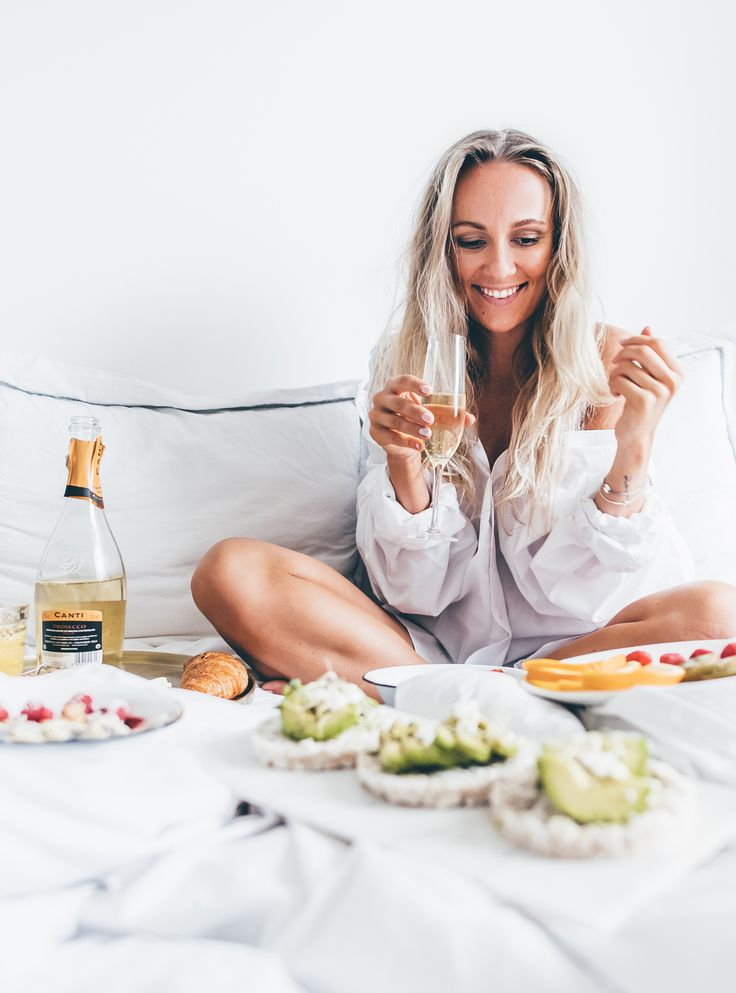 Happy birthday blog champagne breakfast in bed Start Living Your Best Life - Blogi   Lily.fi