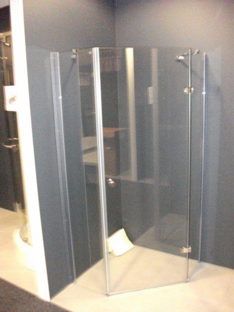 Sanidump Uitverkoop badkamermeubels, stoomcabines, wastafels, designsanitair: Douche