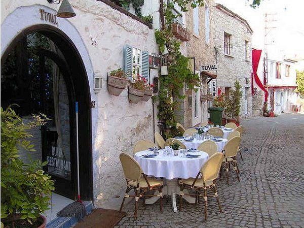 TUVAL Butik Restaurant, Alacati — in Cesme.