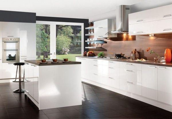 Wood countertops Cuisine Rueckwand dark holzart white fronts