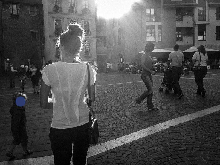 Transparence et Anonymat  dans les rues d'Annecy (Place Sainte Claire)