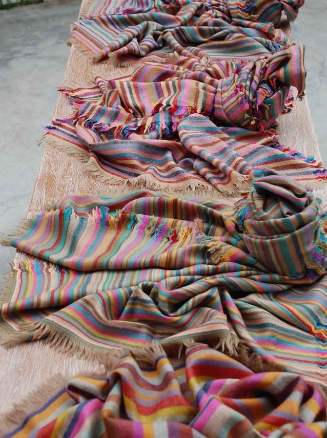 Andraab sorrythanksiloveyou.com Rang Bingarra Table