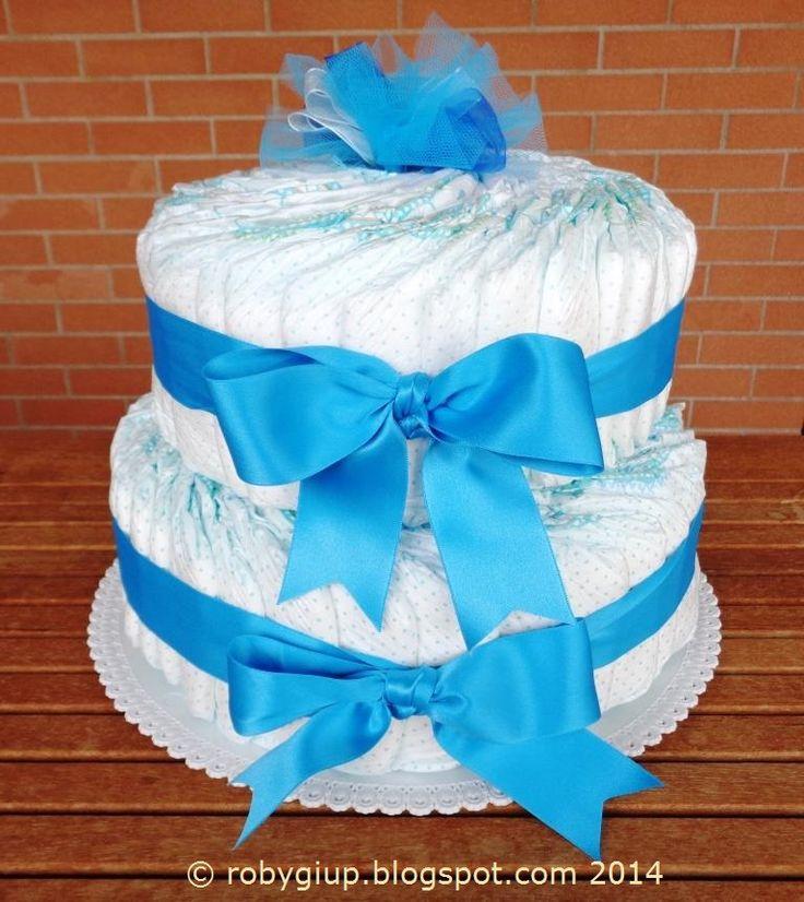 Torta di pannolini azzurra - Light blue diaper cake #birth #boy #gift #DIY