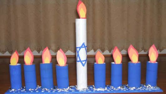 Simple and easy kids menorah craft! - The site for the toilet paper tubes is apparently gone, but this would be easy to do.