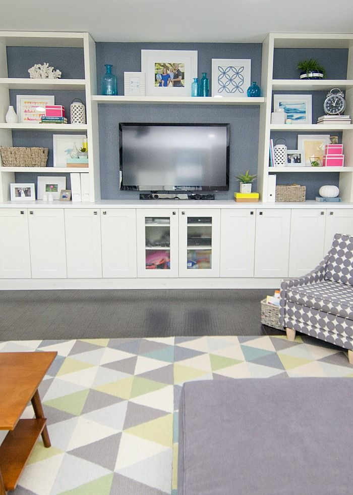 Diy built in using ikea cabinets and shelves living room for Ikea room creator