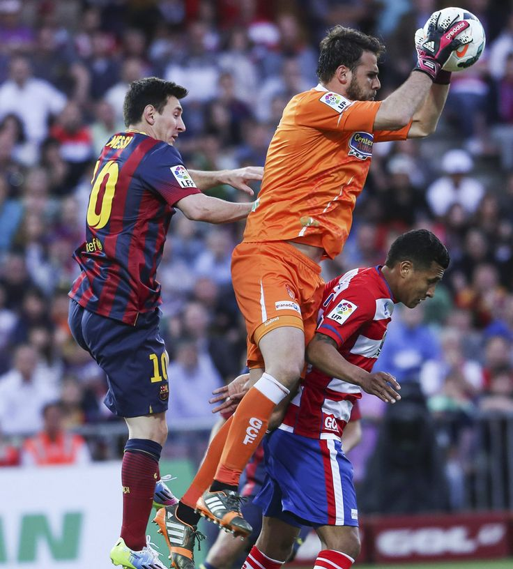 Ορέστης Καρνέζης Vs Lionel Messi