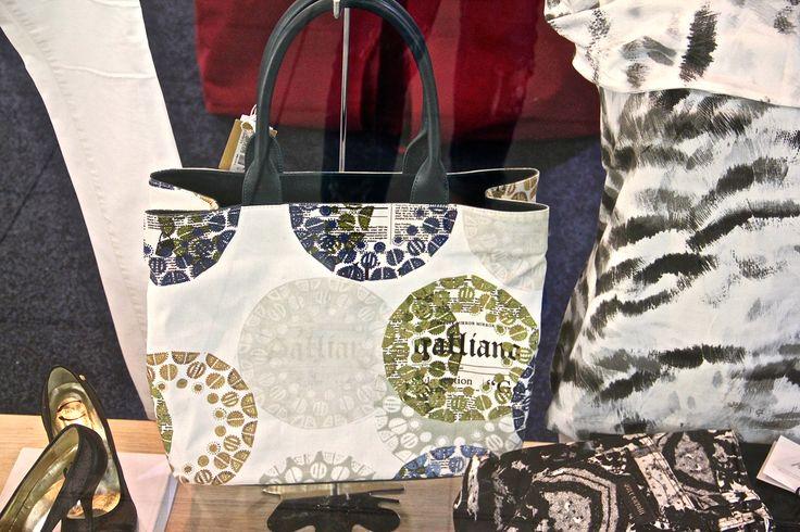 Shop Online: www.caravaggioitaly.com