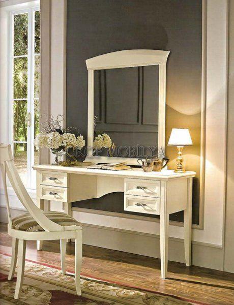 Evde bayanların en sevdiği yer hiç şüphesiz aynalar ve tuvalet masaları! Her kadın bir aynanın önünde oturmaktan keyif alacaktır.