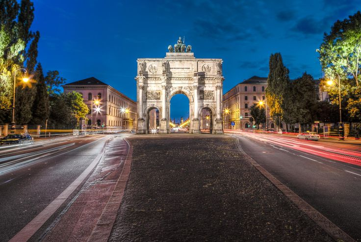 München Siegestor by Jeff Barbier on 500px