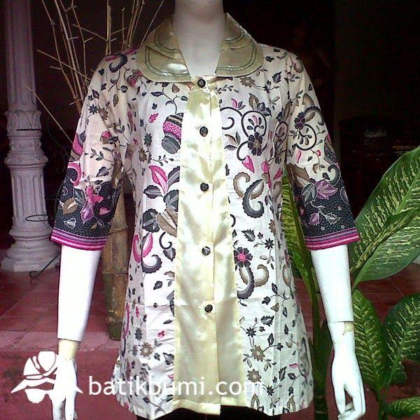 blouse batik bahan katun prima motif gentong hijau dikombinasi dengan sateen halus. Bisa dipakai untuk ke kantor maupun acara acara lain.
