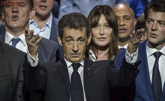Sarkozy entra en campaña pidiendo el voto para Fillon