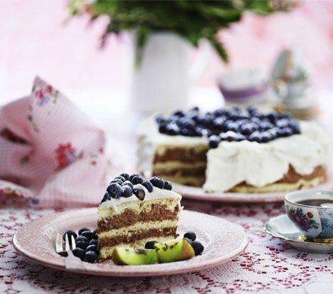 Lagkage med blåbær og chokolademousse