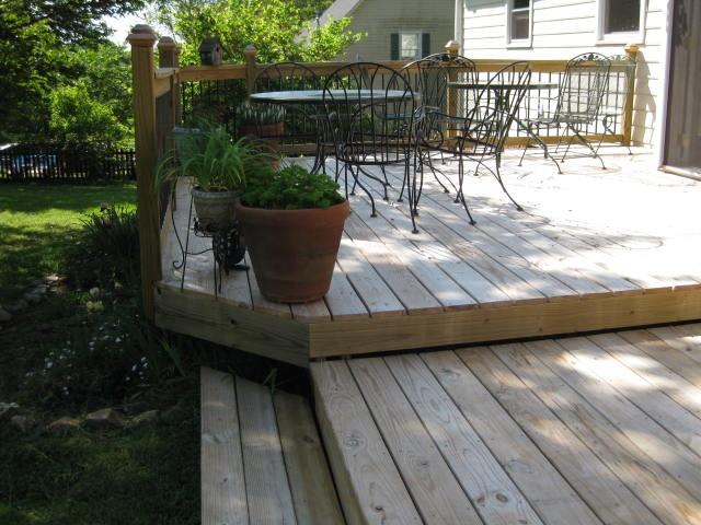 two level deck with one step down to the yard and patio - Garden Ideas On Two Levels