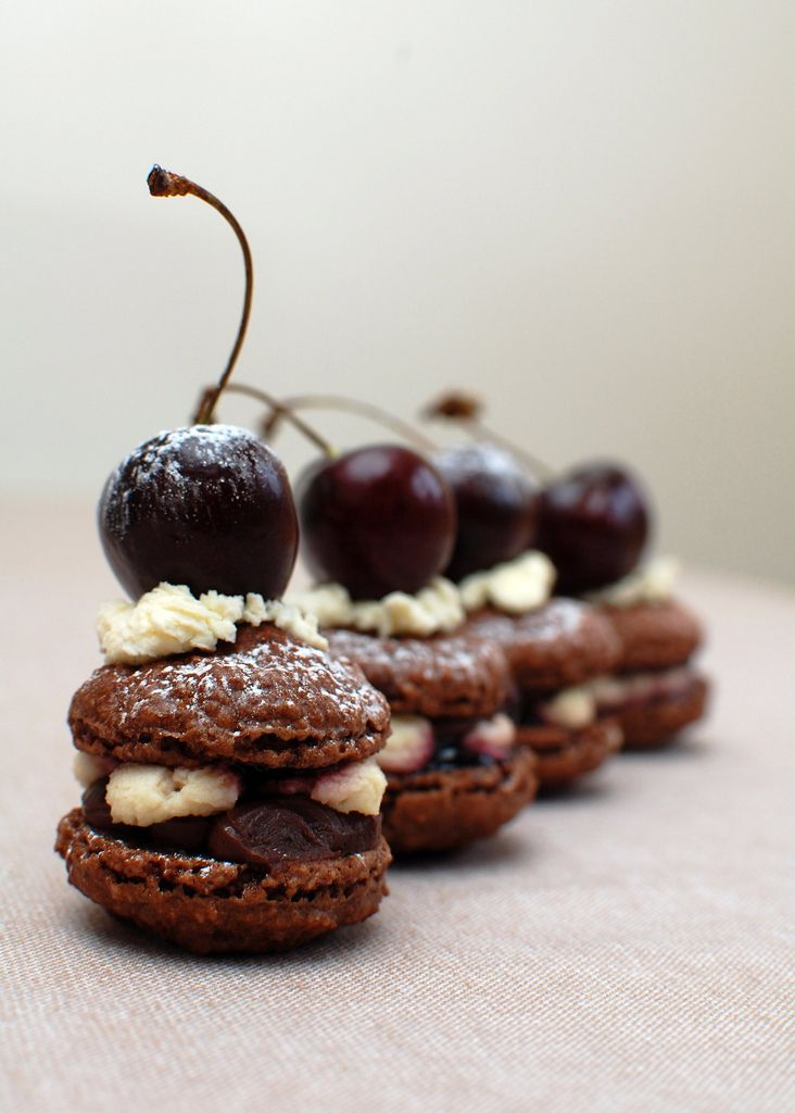 Black Forest Macarons: Forests, Chocolate Cake, Sweet, Cherry Macaron, Food, Forest Macarons, Chocolate Cherry, Blackforest