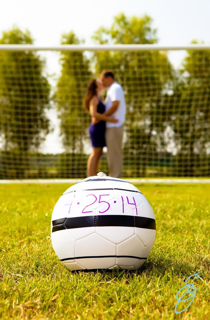 Who took off of work to watch the U.S. Soccer team in the #WorldCup today?  In honor of the big game, we found some adorable soccer inspired wedding pictures and decor! Check it out!