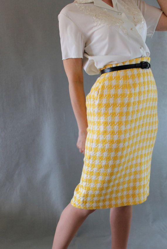 Yellow White Houndstooth Pencil Skirt. Mad Men Fashion. Office Fashion.  Spring Fashion. Summer Fashion. Size Medium