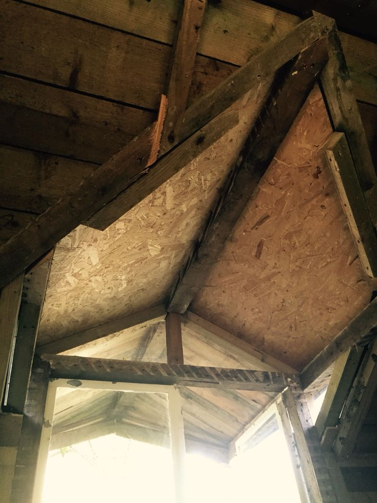 The inside of the roof is osb and as you can see the Perspex windows around the doors