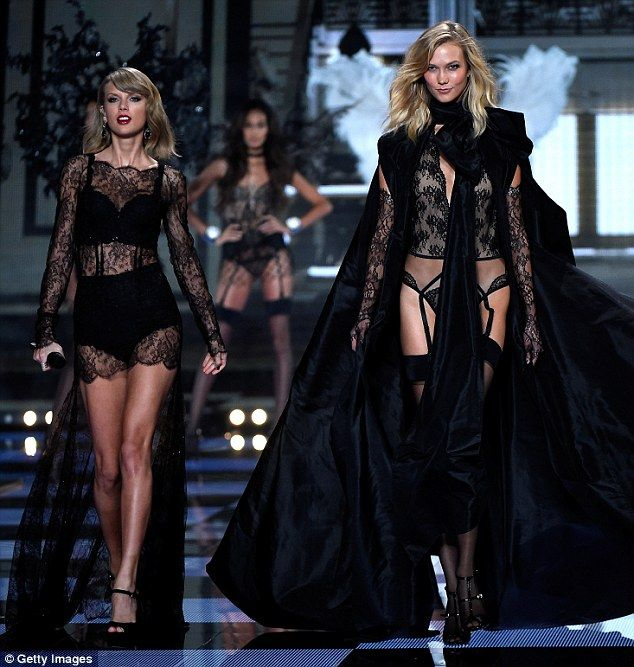 Taylor Swift puts on super sexy performance at Victoria's Secret Fashion Show | Daily Mail Online