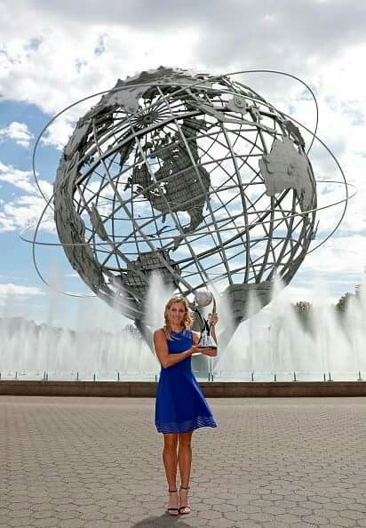 Posing with my #USOpen trophy 🏆 #NYC #AngieTeam