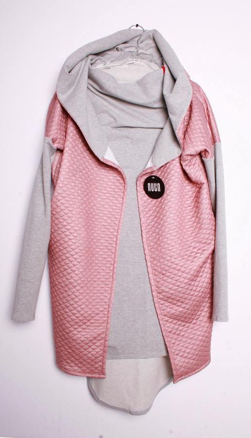 Różowy płaszcz NUUN: http://nuun.shoplo.com/kategoria/nowosci/nuun-plaszcz-o5