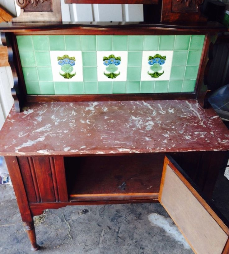 Quite A Nice Marble Top To This Edwardian Wash Stand In