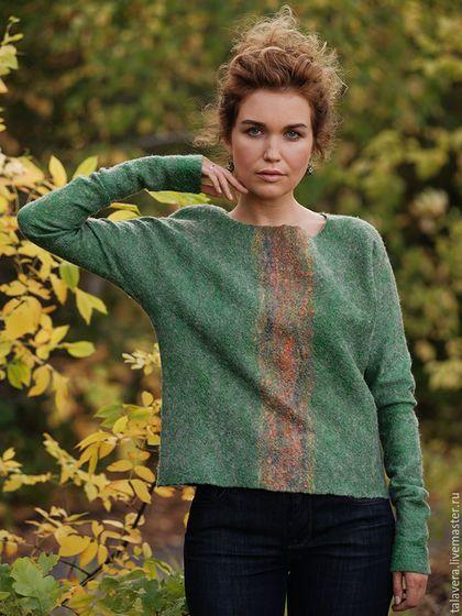 Купить или заказать Зеленый свитер 'Рассвет над деревьями' в интернет-магазине…