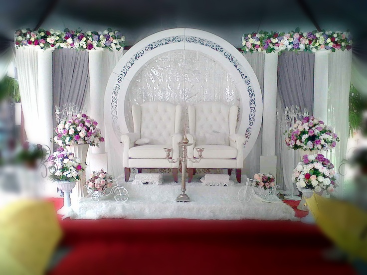 Newly wed will feel like a king & queen for a day.