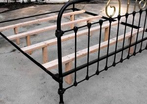 Iron bed conversion and support - Wooden slats