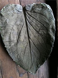 Cement Leaf (Can be used as a birdbath, or make it flat for stepping stones)