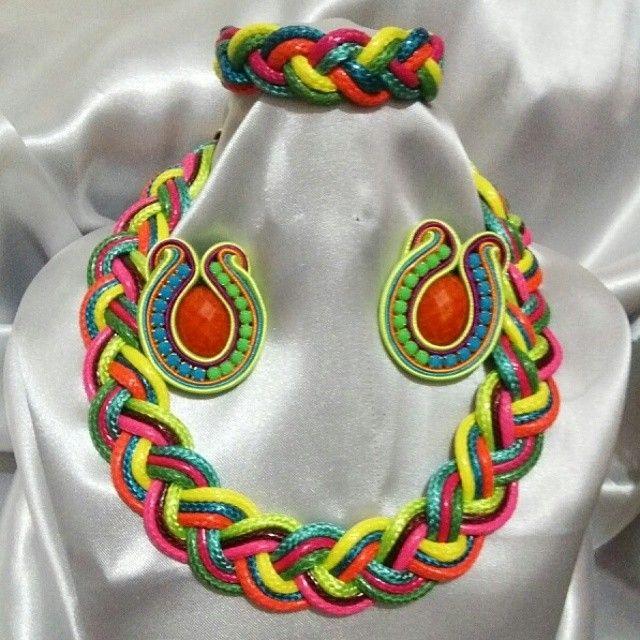 Collar piel de serpiente trenzado con pulsera y zarcillos