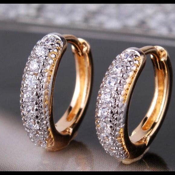 💖 Earrigns Hoops zirconia crystals 💖 💖 Earrigns hoops zirconia crystals 18k gold platinum plated 💖 Jewelry