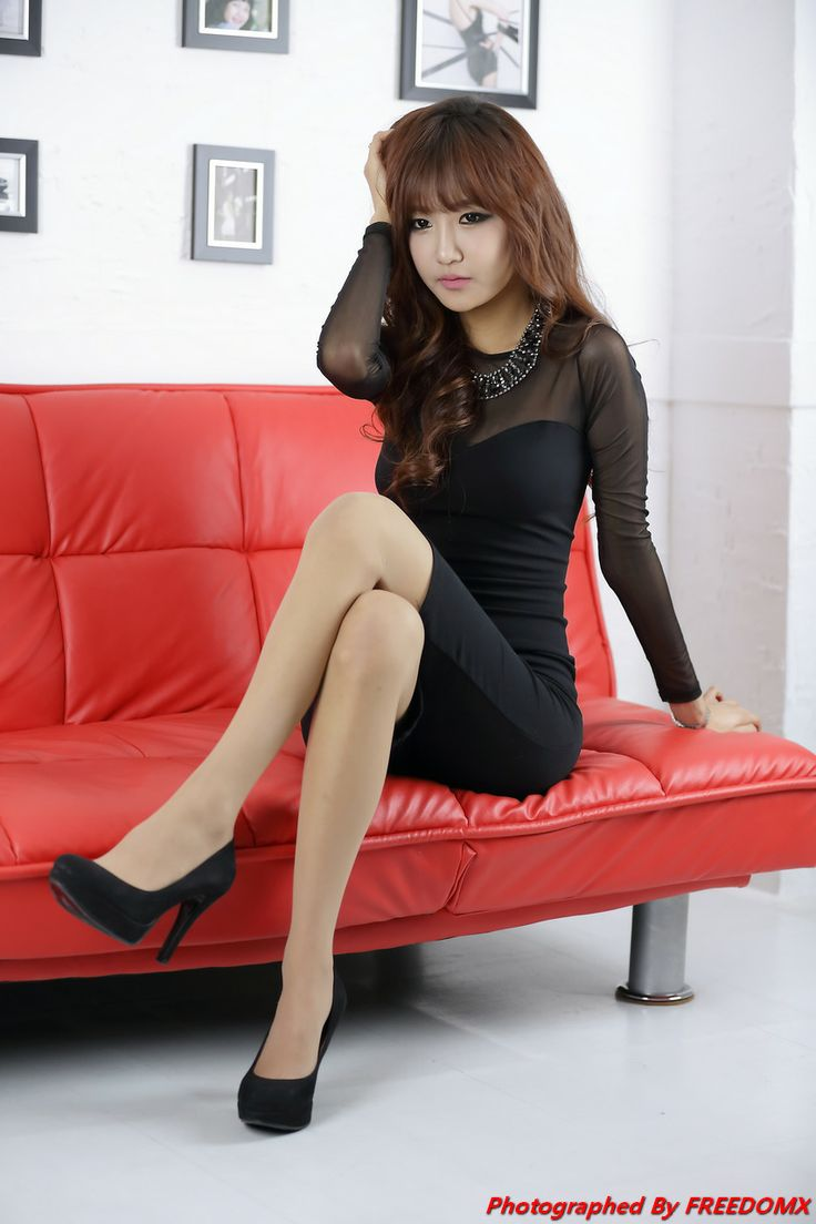pretty-asian-model-pantyhose