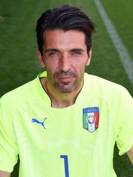 Gianluigi Buffon maglia numero 1 dell'Italia ai Mondiali 2014