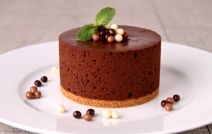 Σοκολατένια απόλαυση με μους σοκολάτας τυριού χωρίς ψήσιμο!