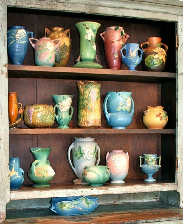 Roseville pottery (a garland of Roseville)