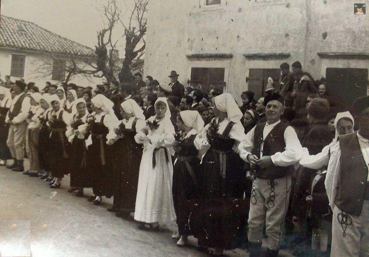 Novljansko kolo u Novom Vinodolskom, hrvatsko Primorje / Dance in Novi Vinodolski, Croatian Littoral