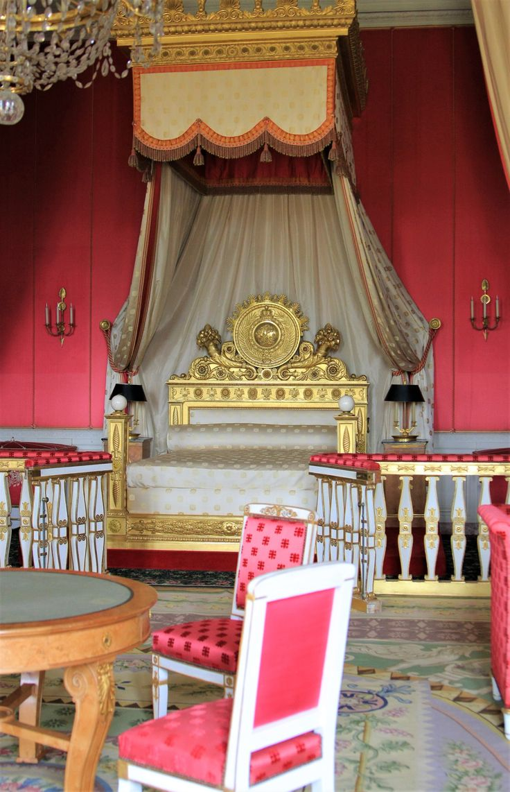 What to visit in Versailles? The Grand Trianon!
