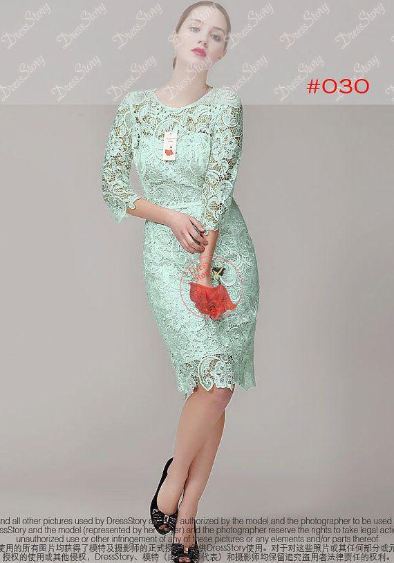 Komt uit mijn nieuwste 2015 ontwerp, deze elegante kant schede jurk functies: -Schede silhouet -Klassieke chemische floral lace -Ontlucht terug -Halve mouwen -Floral geschulpte zoom en manchet  Jurk lengte is 36.  — Bekijk mijn nieuwste ontwerpen: > Alle Maxi / Midi Prom jurken www.etsy.com/shop/DressStory?section_id=17087198 > Alle Mini / korte Prom jurken www.etsy.com/shop/DressStory?section_id=17103521 > Alle jurken www.etsy.com/shop/DressStory/search?search_query=dress  — De maattabel…