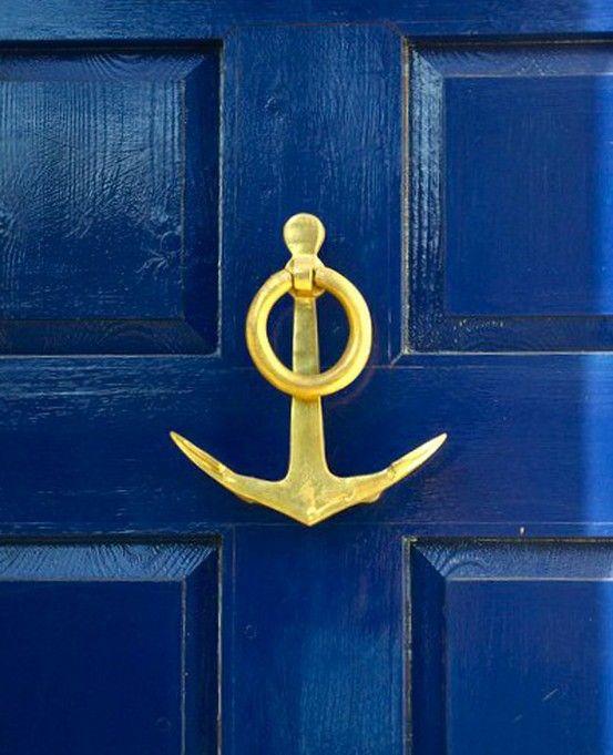 la belle vie: Knockknock, Anchors, The Doors, Blue Doors, Front Doors, Knock Knock, Beaches Houses, Doors Colors, Doors Knockers