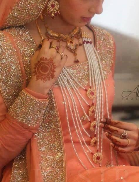 Saath lara! Hyderabadi jewelry.
