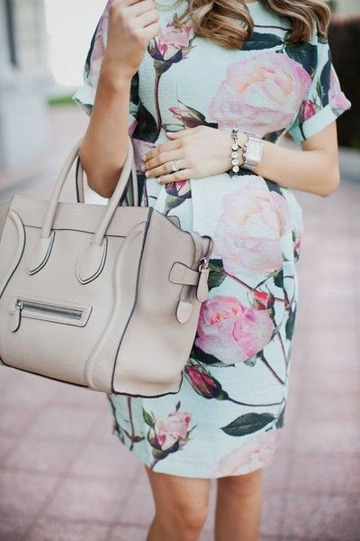 Embrace floral prints - Spring Maternity Looks You'll Love - Photos