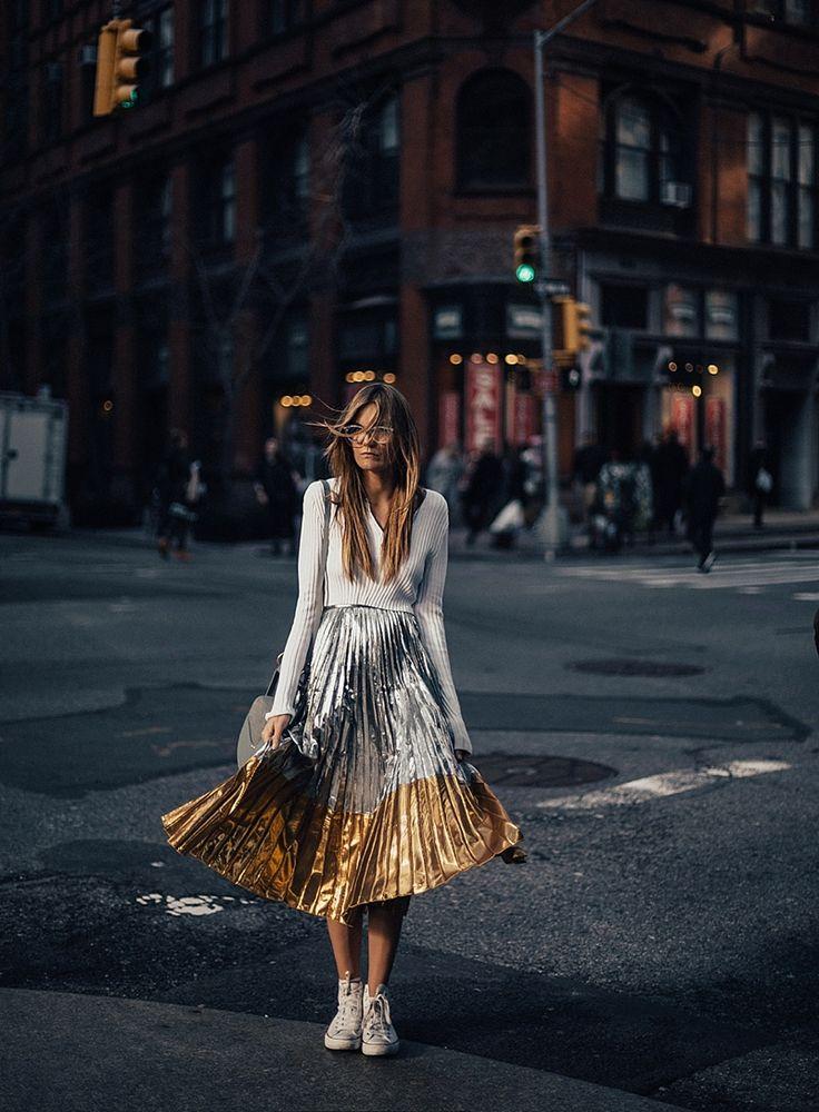 【ρinterest: ⚜ LizSanez✫☽】 //♡NYC street style By Tezza WOMEN'S ATHLETIC & FASHION SNEAKERS http://amzn.to/2kR9jl3