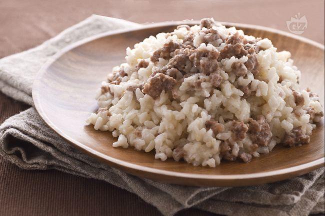 Il riso alla pilota, è un piatto popolare mantovano, deve il suo nome agli operai che erano addetti alla pilatura del riso, chiamati appunto piloti.