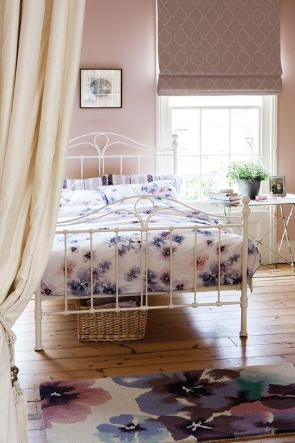 25 Best Ideas About Floral Bedroom Decor On Pinterest Floral Bedroom College Girl Bedrooms And Teenage Room