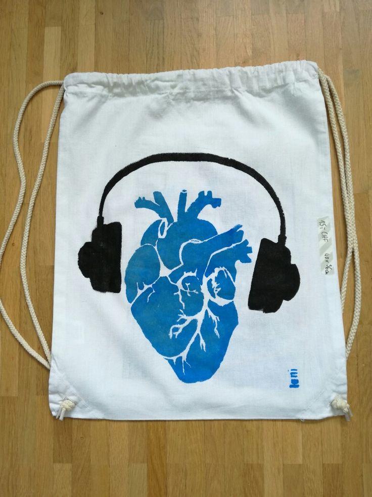 Loni Kreativwerkstatt / Herzhafte Musik im Hipster-Beutel.  #print  #backpack