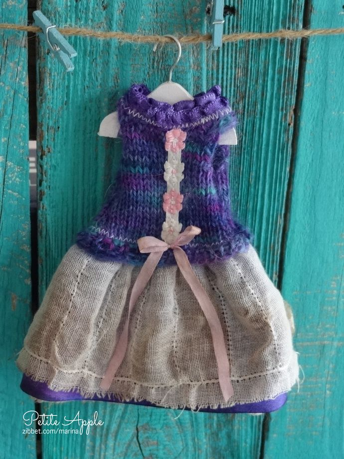 Blythe special doll outfit -knitted bodice - OOAK grunge vintage